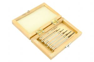 Jewellers Screwdriver Set x 6 in a Wooden Box. S7055
